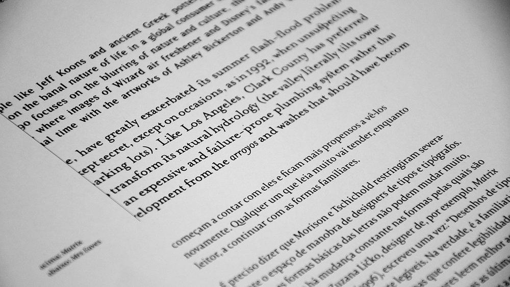 Livro: Enquanto você lê, Estereográfica, Amora Consultoria Linguística, Revisão de Texto.