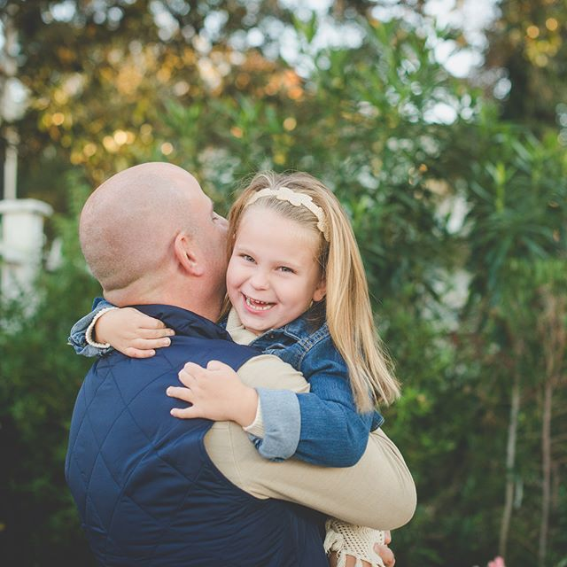 This super cute family is hitting the blog soon! . . #wilmingtonncfamilyphotographer #wilmingtonncphotographer #wilmingtonncphotography #wilmingtonncfamilyphotography