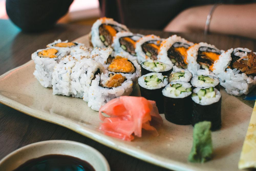 foodiesfeed.com_sushi-yam-maki-rolls.jpg