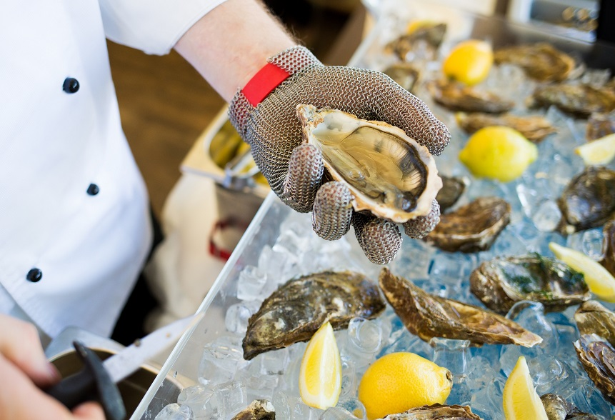 Sheraton-catering-oysters-opening861x588.jpg