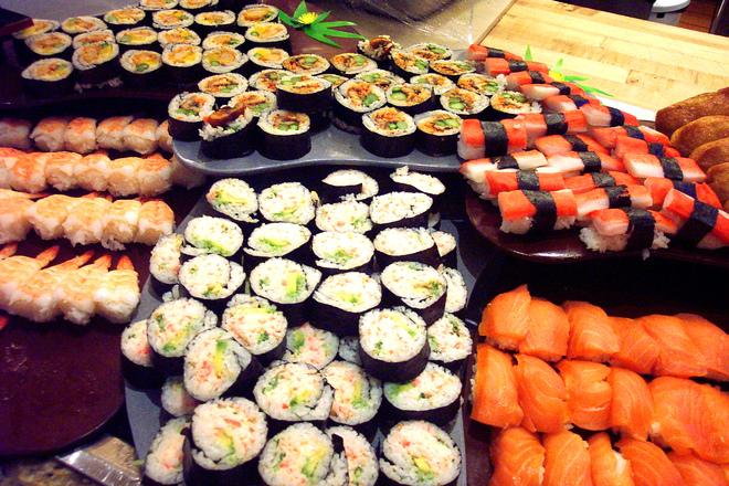 sea-of-sushi-1329306.jpg