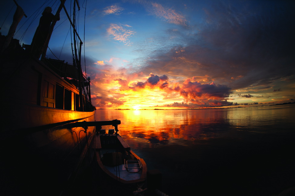 shakti-boat-sunset.jpg