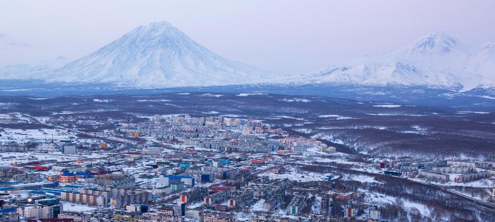 kamchatka-volcanoes-wide.jpg