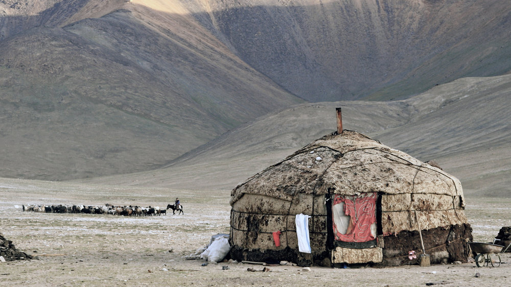 tajikistan-yurt-full-frame.JPG