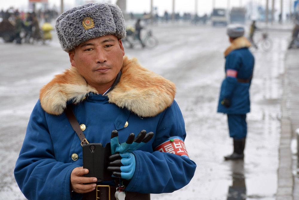 north-korean-guard-subtle-photo.jpg