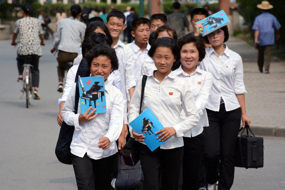 pyongyang-music-university-students.jpg