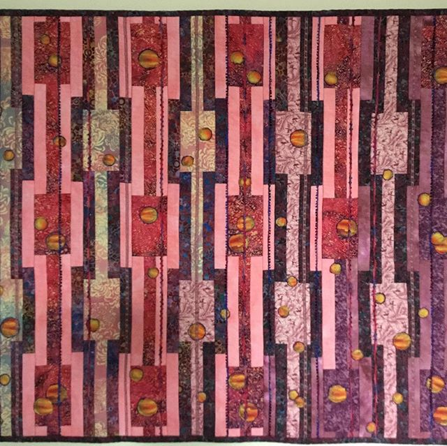 This wall hanging is not new, but has been in storage. Now that it is back on the wall I have taken a picture of it and I thought you might like to see it. #artquilts #fibreart #stratfordon
