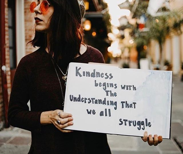 Just some *really great* #ActsOfKindness to remind you that there are still *really great* humans in this world ✌🏼 . . . #ActsOfKindness #RAK #PayItForward #PIF #MidweekMotivation #Inspo #MentalHealth #MentalHealthAwareness #BeTheGood #BeTheChange #ChangeTheWorld #LoveTrumpsHate #SpreadLove #SpreadKindness #Kindness #BeKind #BeKindAlways #DareToOfferPeaceToEveryone #DOPE