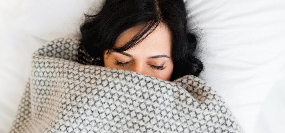 Women-in-blanket-sleeping.jpg