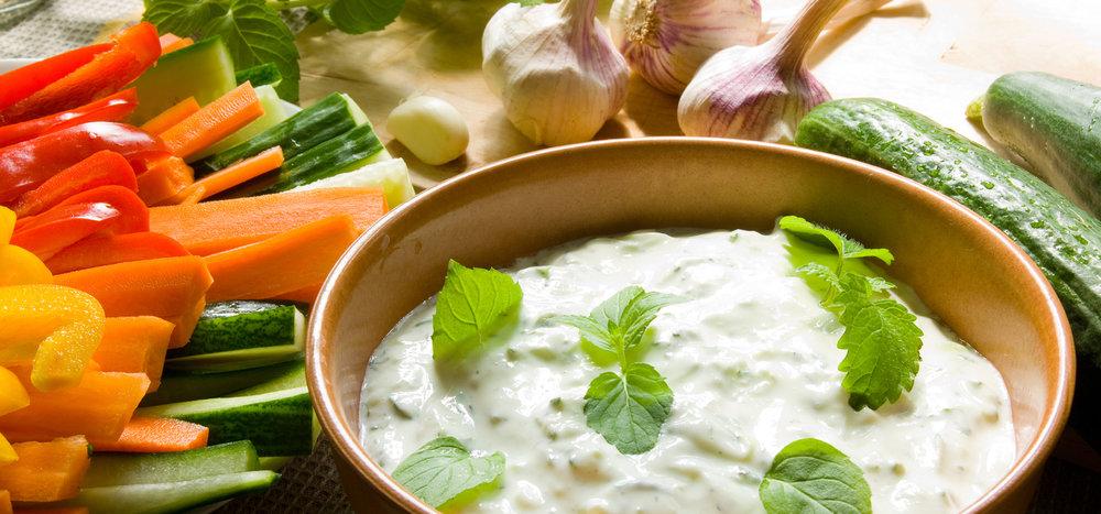 spinach-dip-with-veggies.jpg