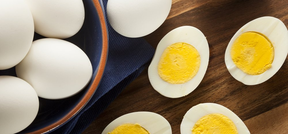 hard-boil-eggs-cut-on-table.jpg