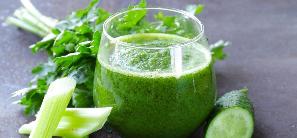 kidney-juice-with-celery-apple-cucumber-in-glass.jpg