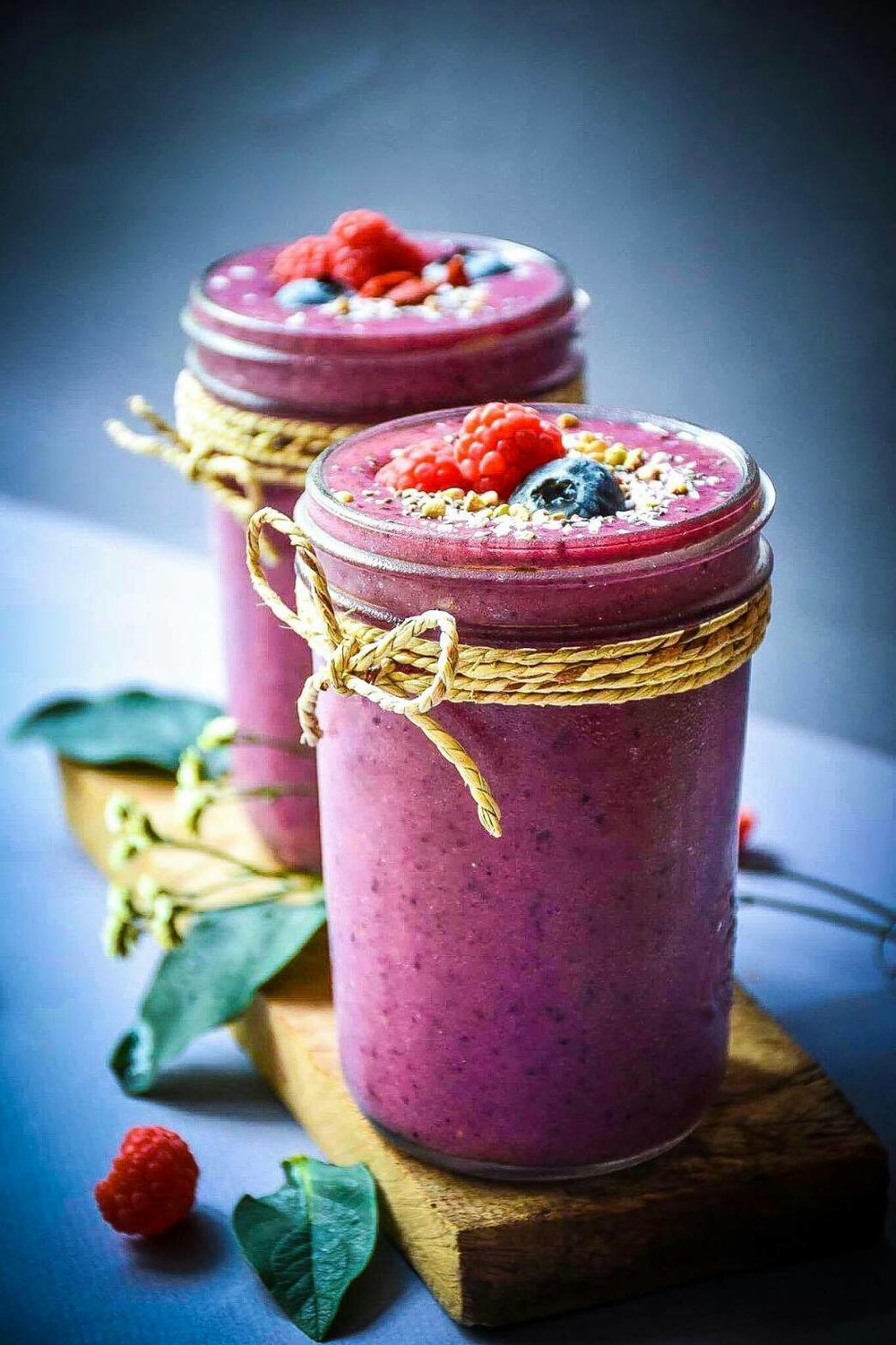 BERRY BRAIN BOOSTER   Blueberry, Raspberry, Organic Banana, Organic Coconut Paste, Organic Coconut Water, Organic Grass Fed Milk   140 THB