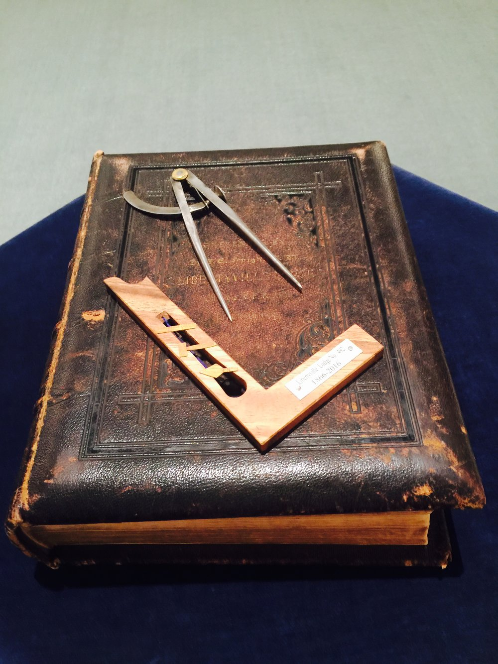 Alter Bible donated on June 30, 1883 and Square and Compasses donated on October 14, 2016