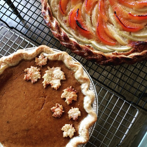Thanksgiving pies (pumpkin & apple quince)