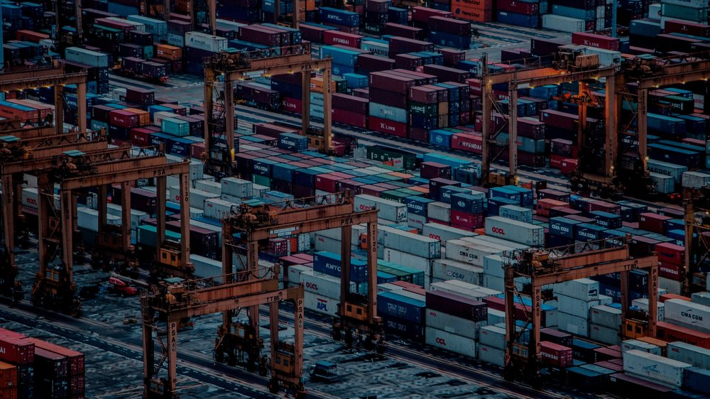 International Trade & FX - Documentary & Standby Letters of Credit, Trade Finance, FX hedging (FECs: Forward Exchange Contracts), multi-currency facilities.Click here to read more.