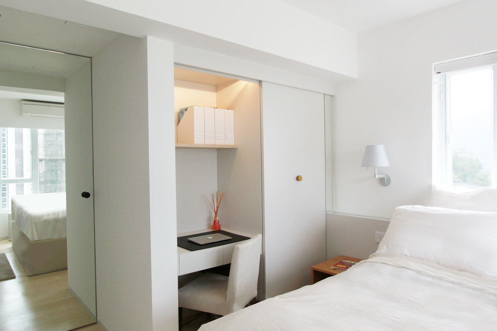 Master Bedroom | Wardrobe with built-in desk and dimmable light