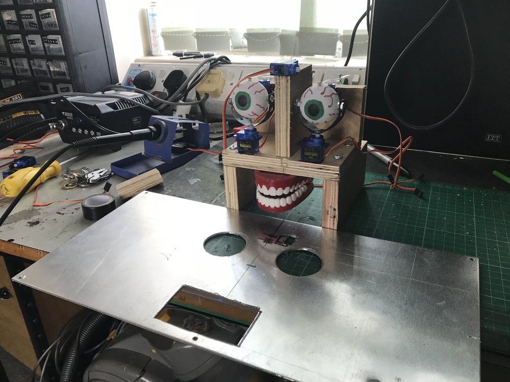 Kosmo animatronic face