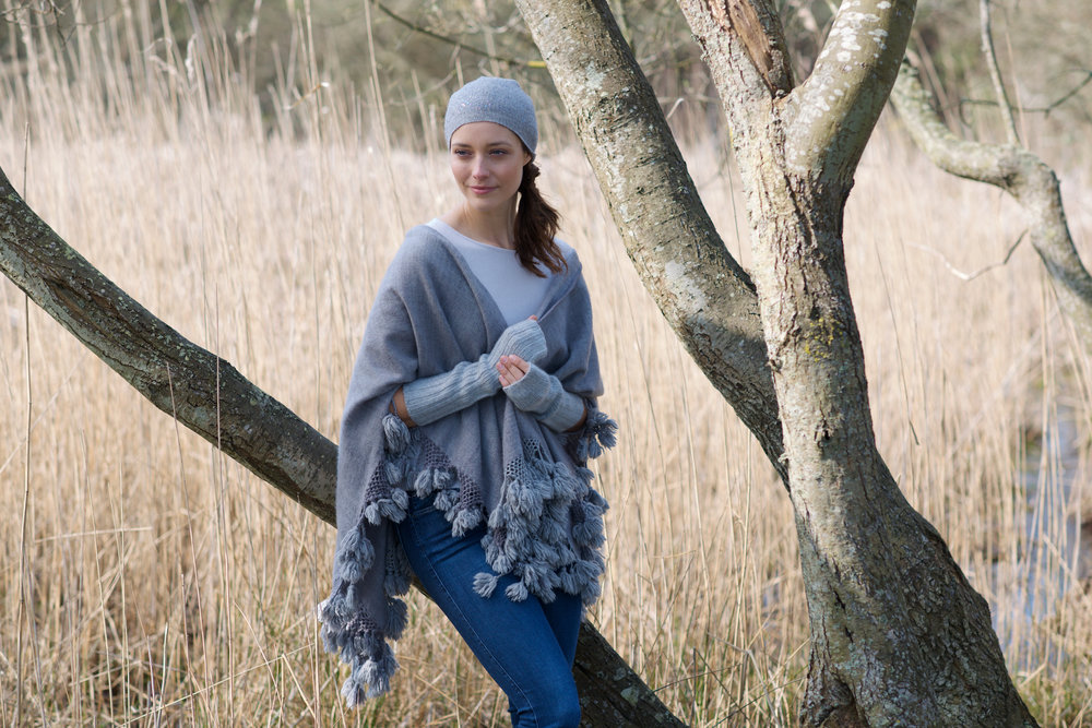 Super soft and warm with extra long cuffs. Pull up for added warmth or push down for a more relaxed look. You don't even have to take them off when you need to use your phone, whats not to love?