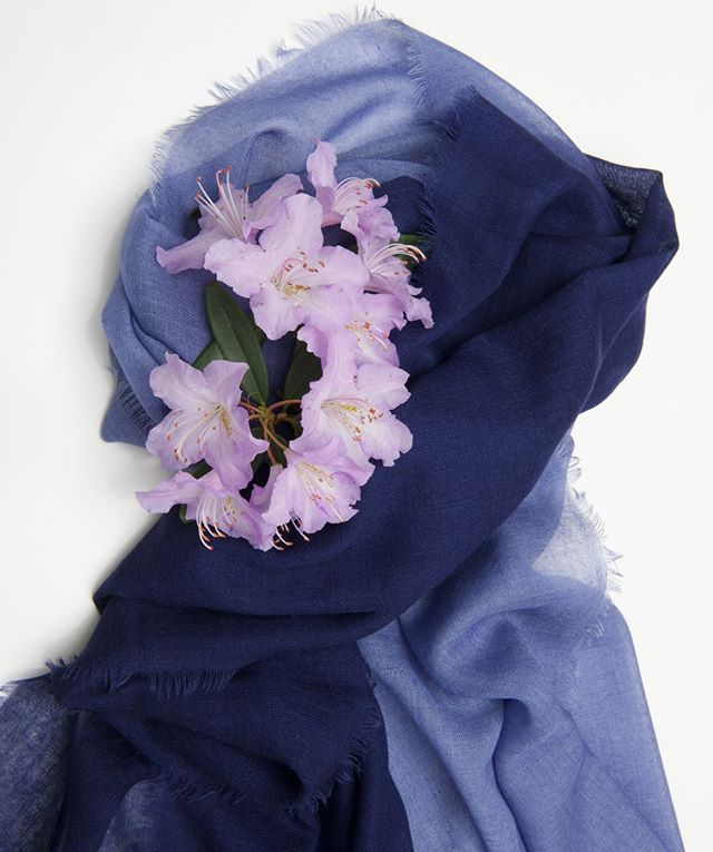 beautiful things always beautiful together - cashmere and flowers.  Is there anything more to life than that. . . . . #cocowaicashmere #nepal #elegant #luxury #timeless #classical #style #gift #luxurgift #cashmere #soft #snug #natural #ethicalbrand #fashion #cocowaitrust #authentic #141 #handwoven #handdyed #handspunyarn #cocowai #tagforlikes #shawl #gloves #pashmina #scarves #bespoke