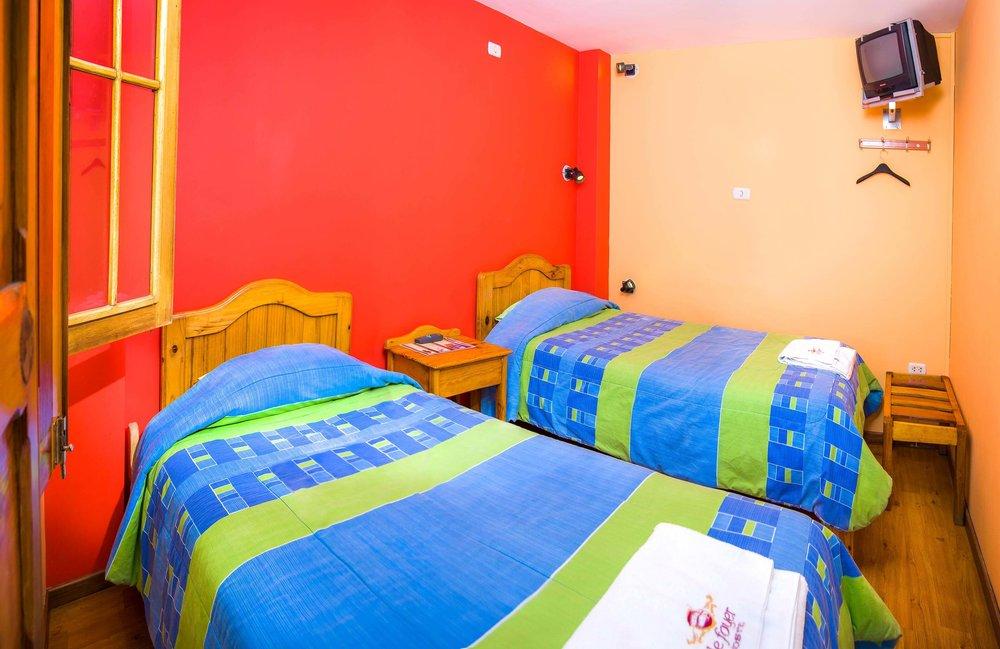 Habitación Doble Baño Compartido   en Le Foyer Hostel   Reserva con Nosotros