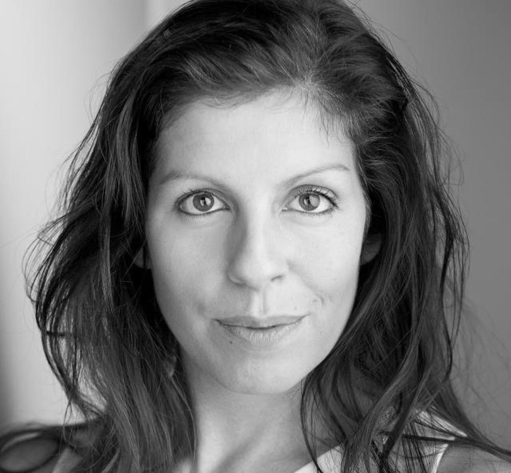 Penny Andrews trained at The Central School of Speech and Drama (BA 3 year acting) and spent many years touring and working in the West End as an actress, before focussing on voiceovers.  Penny's voiceover clients include the BBC, Audible, BMW, Ford, BP, Facebook, Yahoo and Visa. Penny records everyday, everything from commercials, to podcasts, audiobooks and radio dramas.