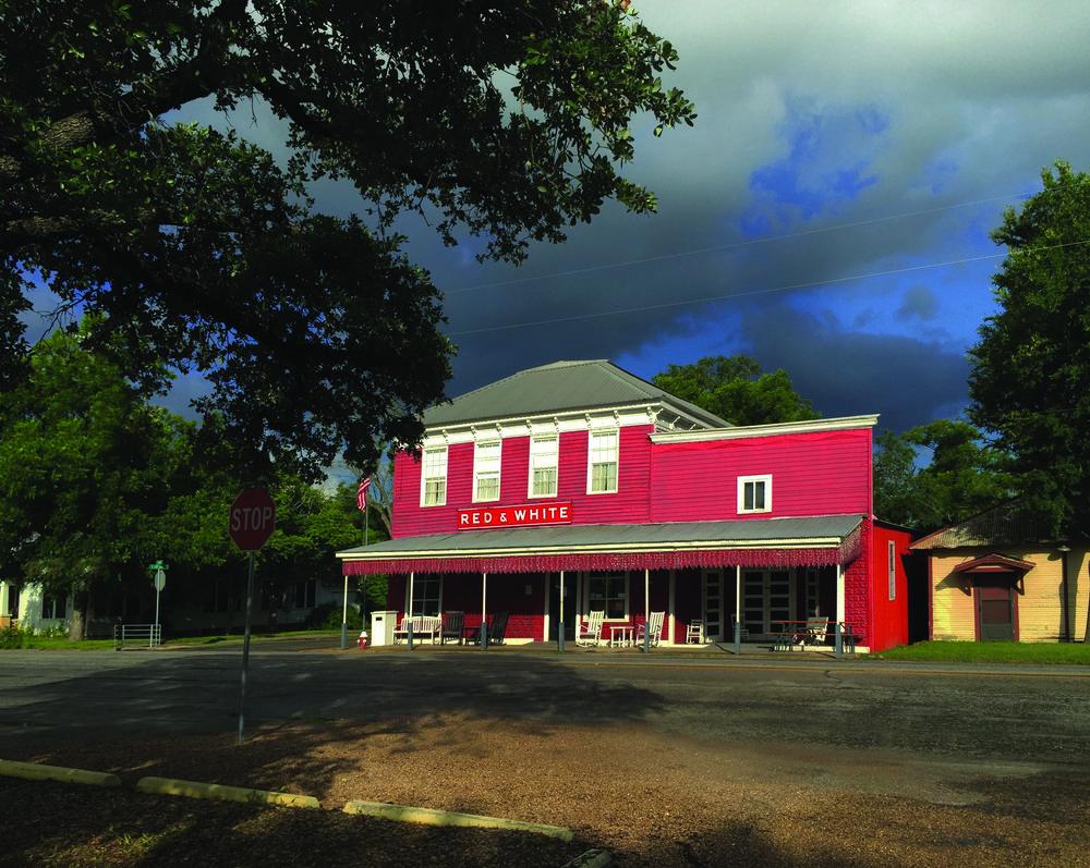 01_Red & White Inn_exterior.jpg