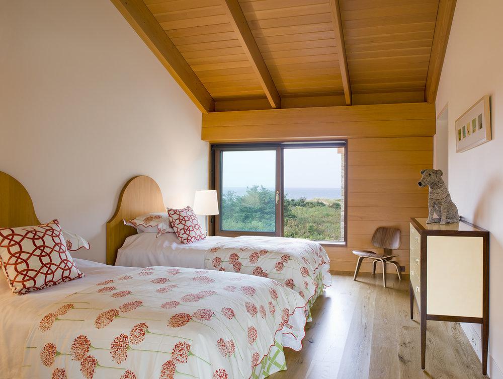 MIF2450twinbedroom2.jpg