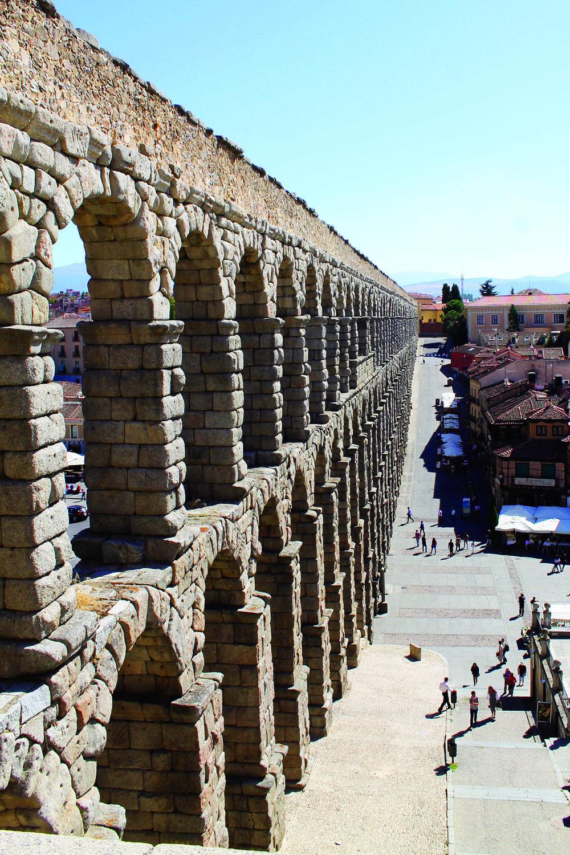 AKVEDUKTEN: Segovias mest kjente byggverk. Foto: Hedda Bjerén