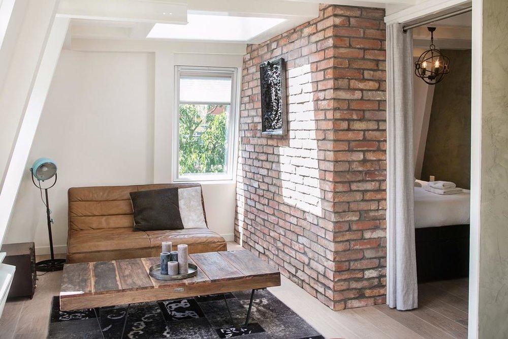 HOTELL: Trendy Urban Terrace Apartment i Amsterdam er et leilighetshotell med eget kjøkken og sentral beliggenhet. Foto: Booking.com