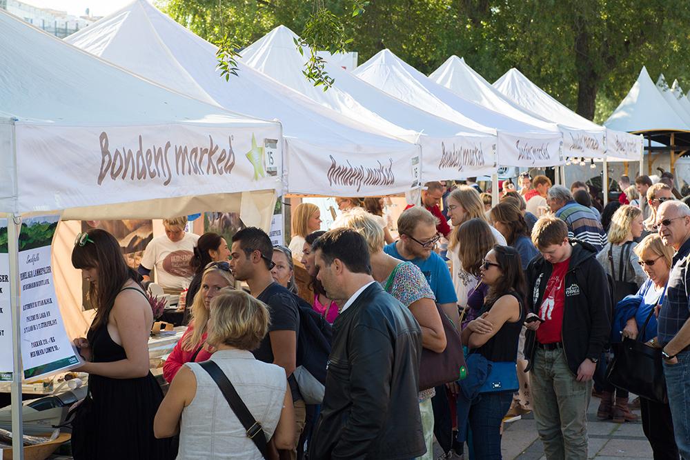 FULL FRES: Håper det blir mange besøkende når Bondens Marked kommer til Lillestrøm i år! Foto: Siv Nærø/Innovasjon Norge