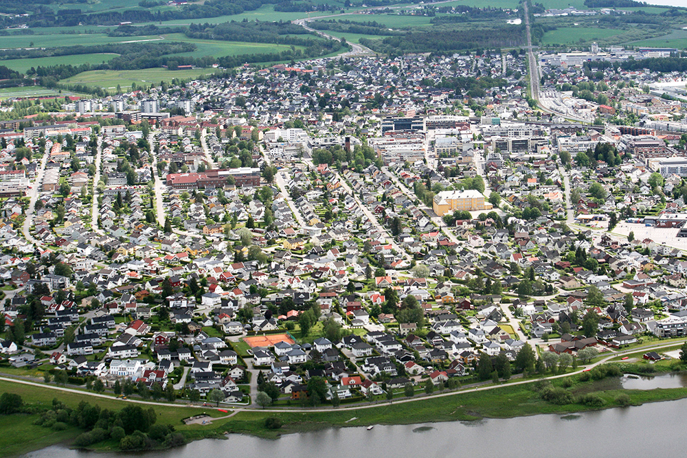 LILLESTRØM: Snart får denne lille byen besøk av Bondens Marked. Foto: Wikipedia