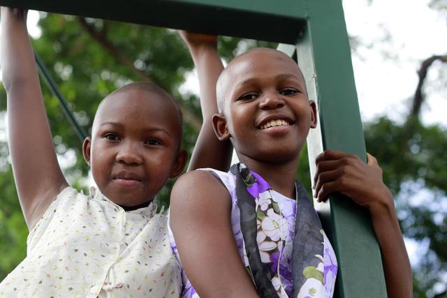 SOS BARNEBYER:  SOS-barnebyer  sørger for at barn som er alene får et trygt hjem i en SOS-familie i en barneby eller annen fosterfamilie. Foto: SOS Barnebyer