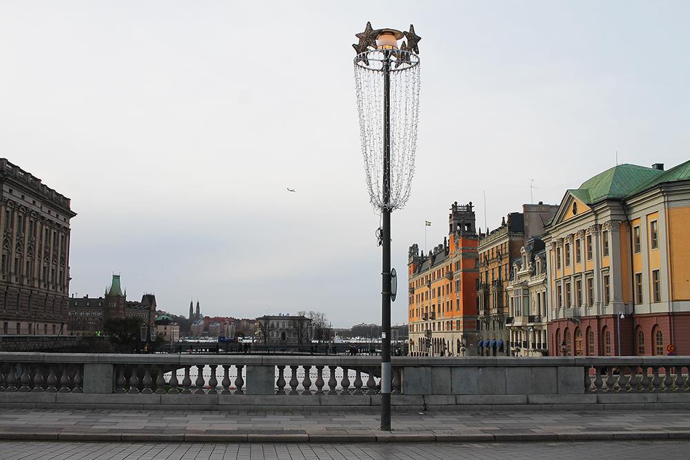 BYVANDRING: Jeg var i Stockholm en kald vinterdag, men det var oppholdsvær og til og med litt solgløtt innimellom. Foto: Hedda Bjerén