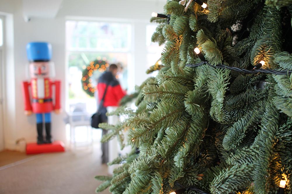 KOSELIG: White Marlin har pyntet til jul. Foto: Tenk Koffert