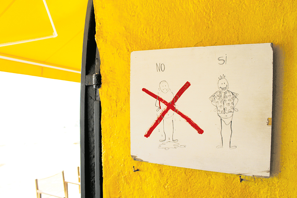 IKKE SYDEN: Det er litt mer klasse på Costa Brava, så ikke gå på kafé i kun badetøyet. Foto: Hedda Bjerén