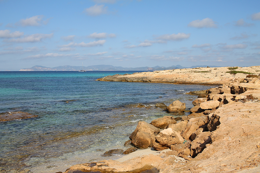 VAKKER NATUR: Formentera er en så utrolig fin øy. Foto: Hedda Bjerén