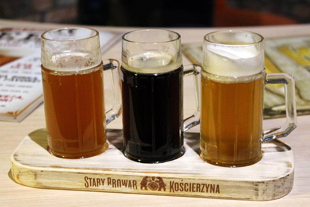 ØLSMAKING: Det fine hotellet, Stary Browar, tilbyr ølsmaking med øl fra eget bryggeri. Foto: Hedda Bjerén