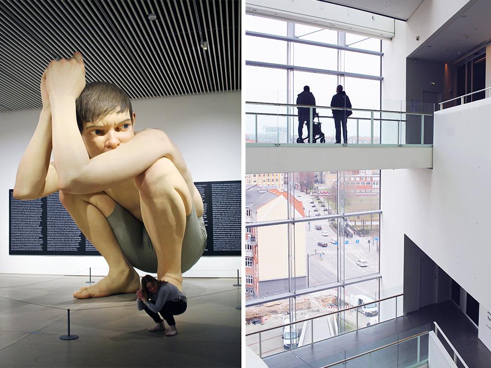 AROS: Aarhus Kunstmuseum har mange spennende utstillinger. Sjekk hva som står på planen før du reiser via  ARoS nettside . Hun som sitter på huk foran den store statuen der er søte Lotta fra den svenske bloggen  Fyra Årstider – mitt liv på landet , hun var en av de jeg reiste til Aarhus sammen med. Foto: Hedda Bjerén