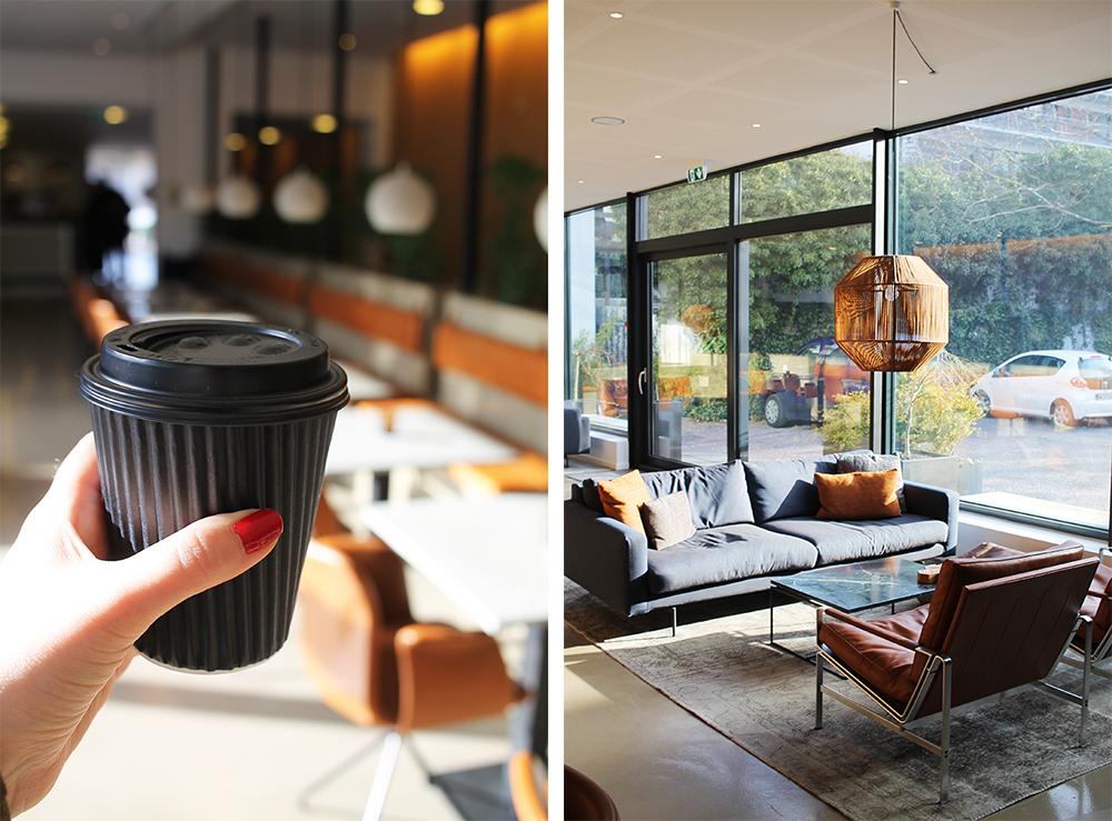 TAKE AWAY: Hotellet har take away-kopper, så du kan ta med deg kaffen ut i byen - og en kaffemaskin du kan forsyne deg av når du måtte ønske. Foto: Tenk Koffert