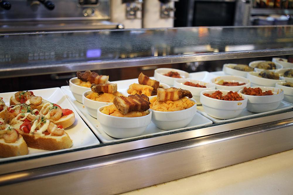 RESTAURANTE DON MAURO: Det er mye deilig mat i Salamanca. For nordmenn er de fleste restauranter rimelige i pris og. Foto: Tenk Koffert