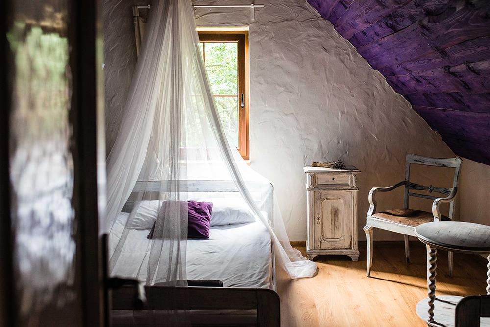 LAVENDELGÅRD: Det var som i et eventyr å våkne på denne sjarmerende lavendelgården. Foto: Polska Statens Turistbyrå
