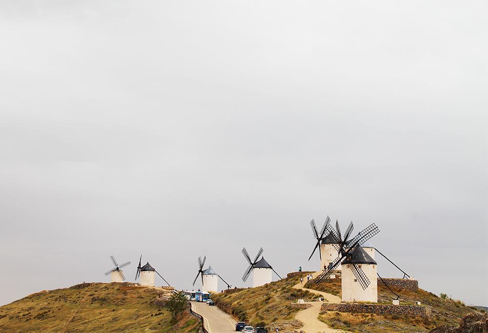 MAI: Så dro jeg til Consuegra i Spania og så på vindmøllene og slottet der. En fantastisk opplevelse som du kan lese om på Tenk Koffert om ikke så altfor lenge. Foto: Tenk Koffert