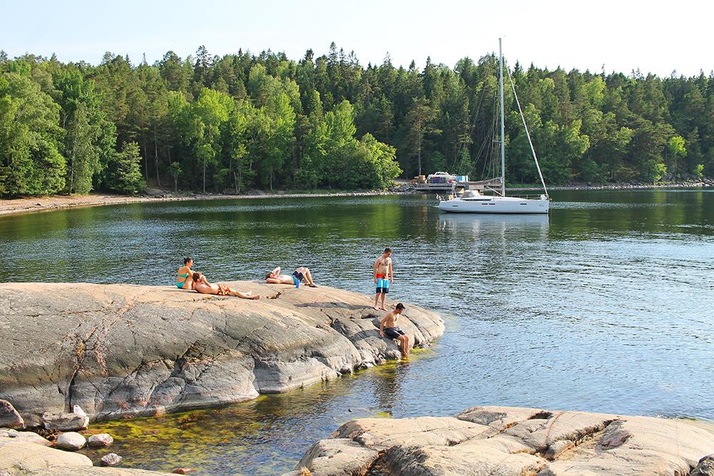 JUNI: Altså, Stockholms skjærgård, det er skikkelig barndomssommer for meg. Foto: Tenk Koffert