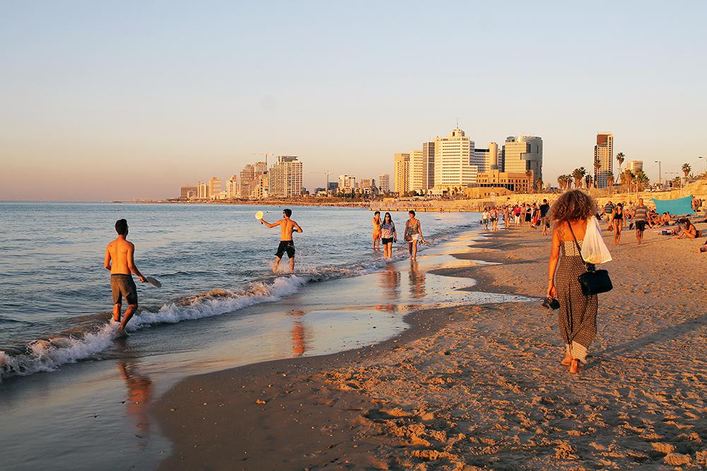 NOVEMBER: Tel Aviv byr på strandliv og storby i ett. Foto: Tenk Koffert