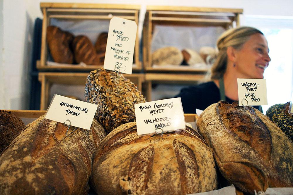FRU MØLLERS MØLLERI: Gårdsbutikken her var helt fantastisk. Utrolig mye gode varer. Foto: Tenk Koffert