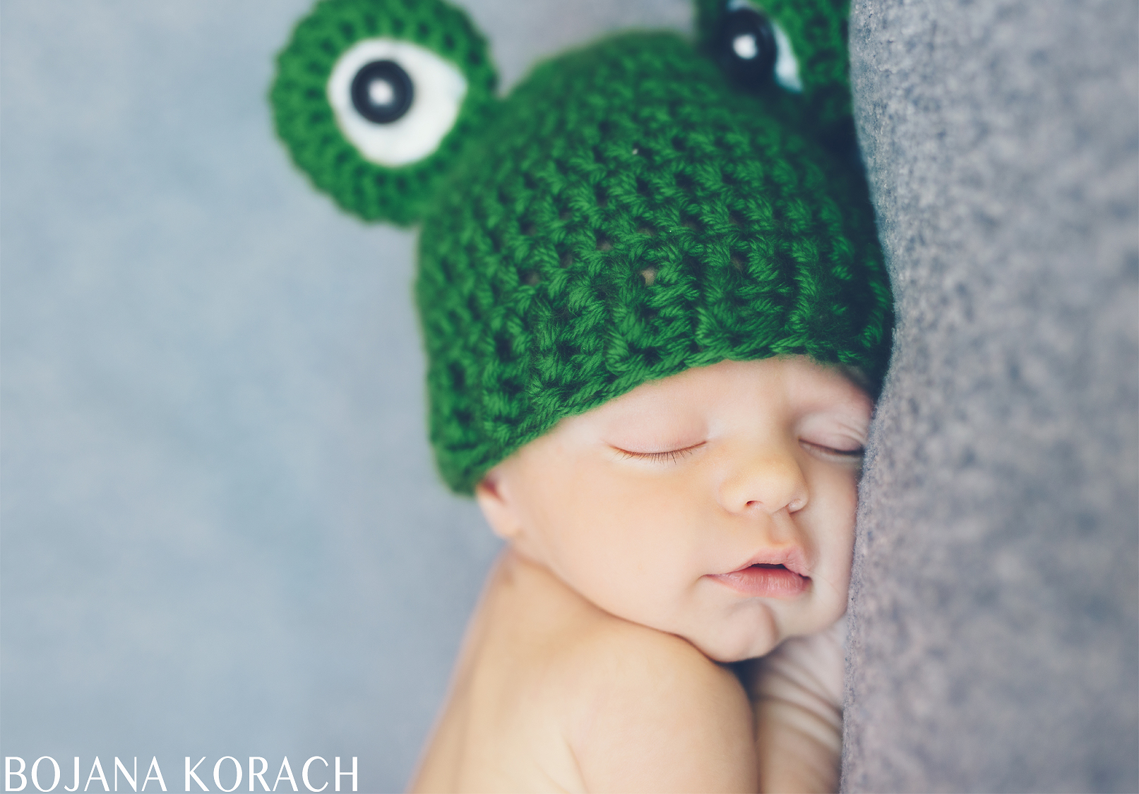 san-francisco-newborn-photography-frog-hat