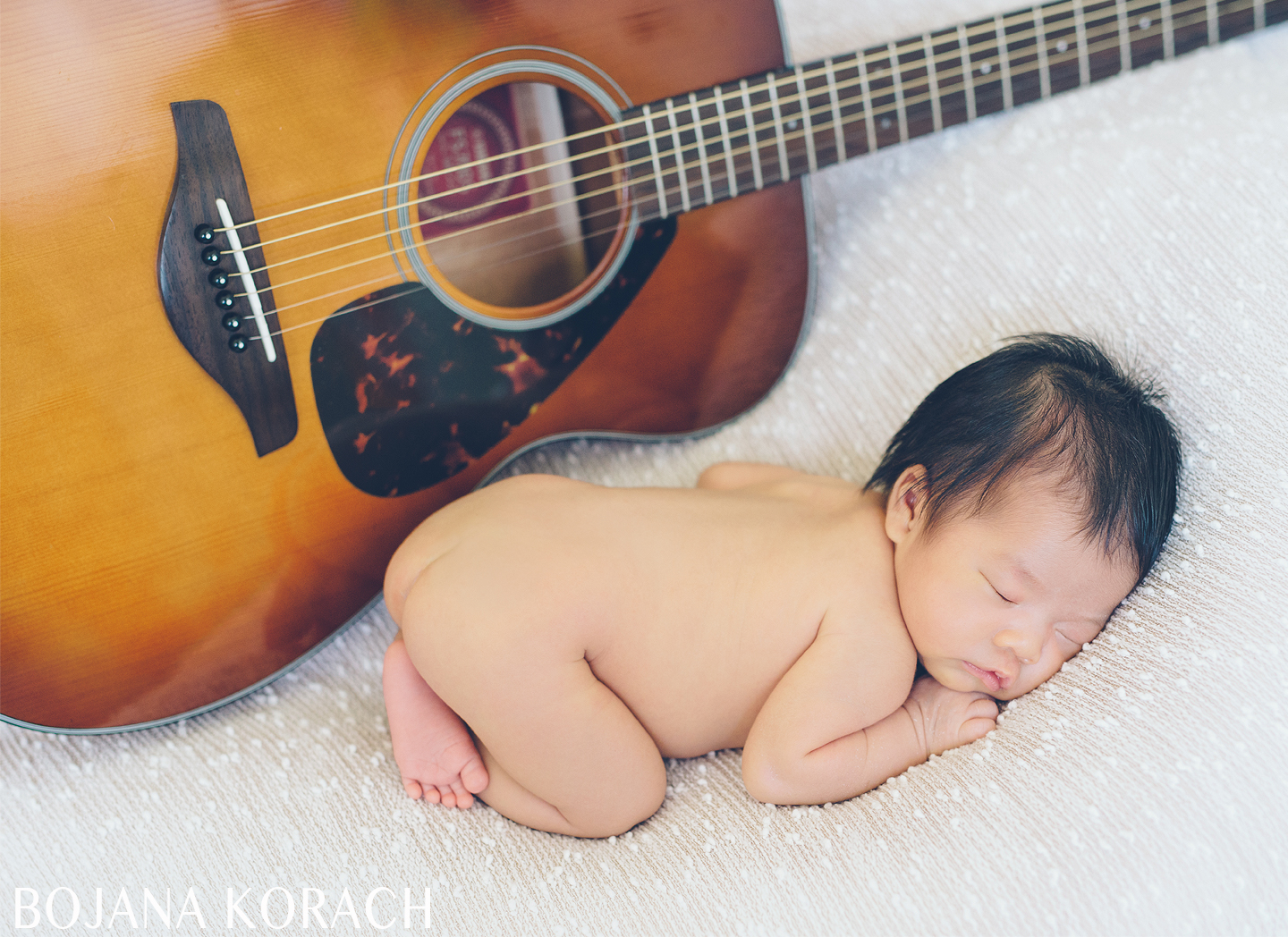 san-francisco-newborn-baby-with-a-guitar-photography
