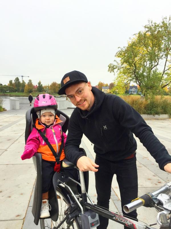 Fina fadderbarnet Sibel och min bästa Samuel på tur i Umeå.