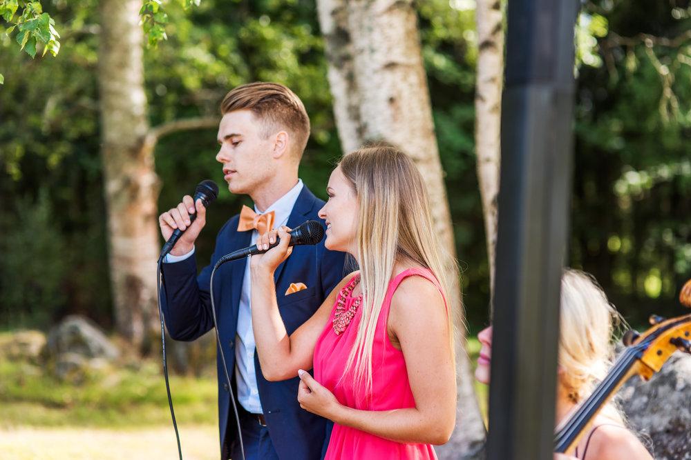 Min bror och jag på vår kusins bröllop i somras. Foto: Michaela Fagerudd